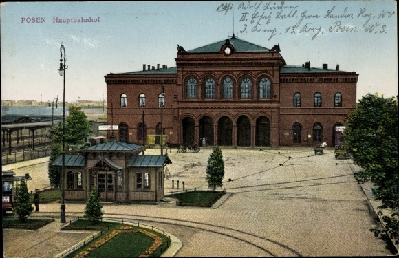 Ak Poznań Posen, Blick auf den Hauptbahnhof, Straßenseite