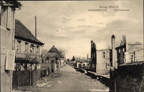 Ak Cernay Sennheim Elsass Haut Rhin, Blick in die Fabrikstraße, Stadtansicht