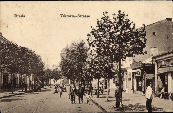 Ak Brăila Rumänien, Blick in die Viktoria Straße, Passanten