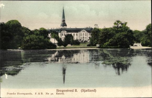 Ak Sjaelland Dänemark, Bregentved II, Blick auf ein Schloss, Teich