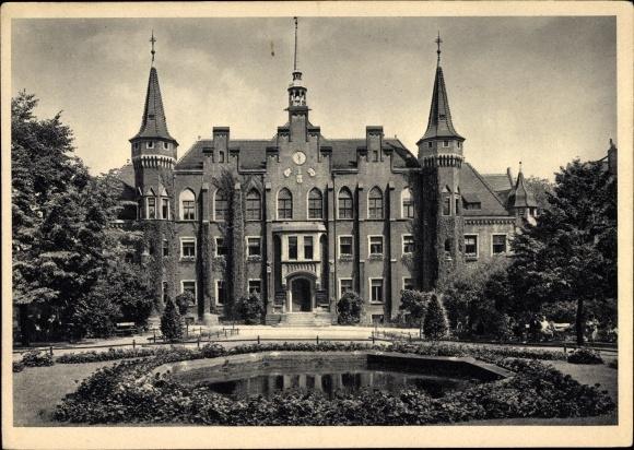 Ak Wałbrzych Waldenburg Schlesien, Rathaus, Außenansicht