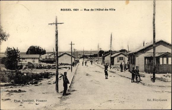 Ak Roisel Somme, Rue de l'Hôtel de Ville, Straßenpartie