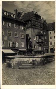 Ak Cheb Eger Reg. Karlsbad, Rolandbrunnen mit Stöckl