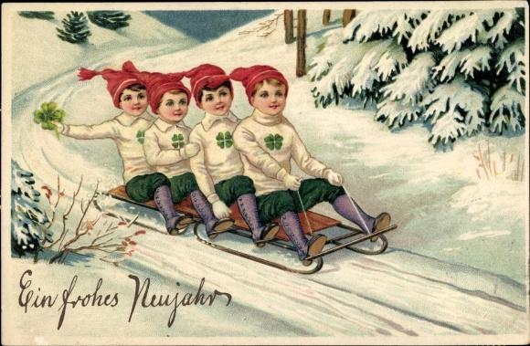 Präge Litho Glückwunsch Neujahr, Vier Jungen mit Zipfelmützen auf einem Schlitten, Kleeblätter 0