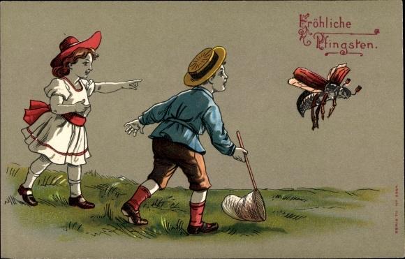 Litho Glückwunsch Pfingsten, Junge und Mädchen jagen einen Maikäfer 0