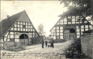 Ak Schledehausen Bissendorf in Niedersachsen, Gehöft, Fachwerkhäuser, Stall, Scheune, Anwohner