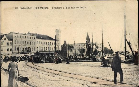 Ak Świnoujście Swinemünde Pommern, Fischmarkt und Blick nach dem Hafen 0