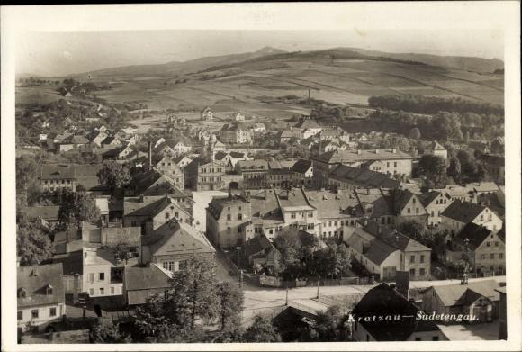 Ak Chrastava Kratzau Reg. Reichenberg, Blick über die Dächer der Stadt, Umgeung 0