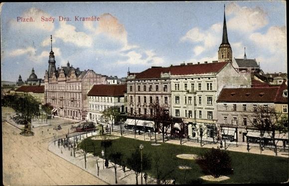 Ak Plzeň Pilsen Stadt, Sady Dra. Kramare, Straßenpartie, Geschäftshäuser, Straßenbahn 0