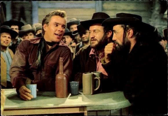 Ak Szene aus dem Film Unter Geiern, Cowboys, Schauspieler, Rialto, Constantin, Karl May 0