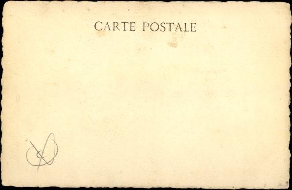 Künstler Ak Bouchetal, L., La Vieille Poule et les Poussins, Huhn mit Küken 1