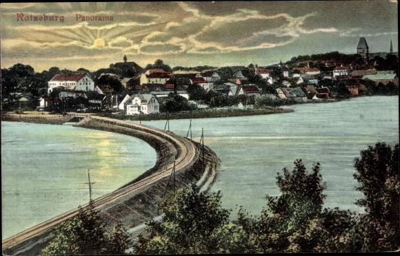 Ak Ratzeburg in Schleswig Holstein, Panorama vom Ort 0