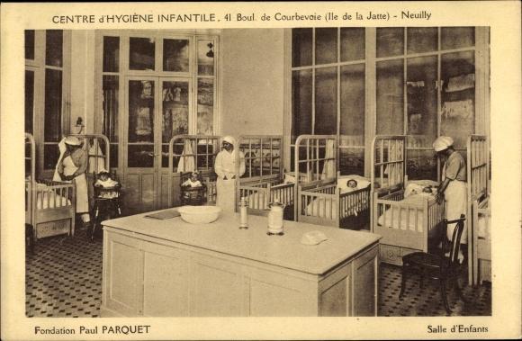Ak Neuilly sur Seine Hauts de Seine, Centre d'Hygiène Infantile, Bvd. de Coubevoie 41, Paul Parquet 0