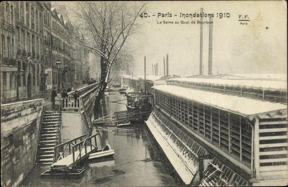 Ak Paris, Inondations 1910, La Seine au Quai de Bourbon 0