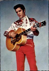 Ak Schauspieler und Sänger Elvis Presley, Portrait mit Gitarre, Jailhouse Rock