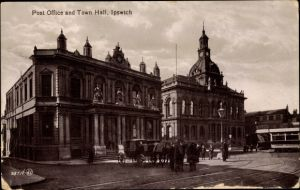 Ak Ipswich East of England, Post Office and Town Hall, Post, Rathaus, Straßenbahn