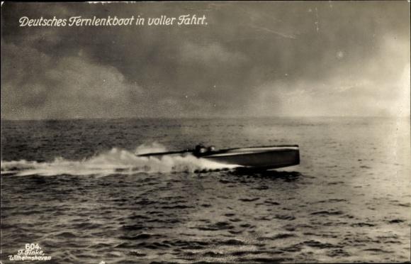 Ak Deutsches Kriegsschiff, Fernlenkboot in voller Fahrt