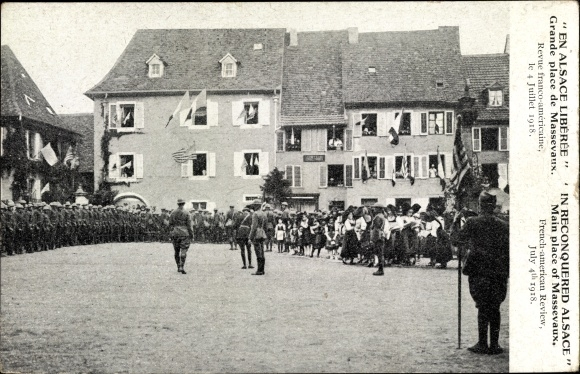 Ak Elsass Haut Rhin, En Alsace Libérée, Grande place de Massevaux, Revue franco américaine 1918
