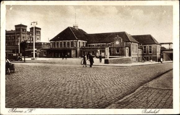 Ak Rheine in Nordrhein Westfalen, Partie am Bahnhof, Straßenseite