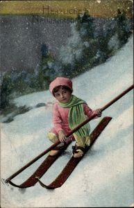 Ak Glückwunsch Neujahr, Mädchen auf Skiern, Winterszene