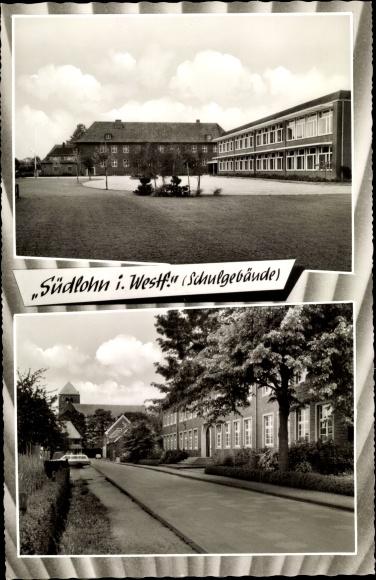 Ak Südlohn in Nordrhein Westfalen, Schulgebäude mit Innenhof und von der Strasse gesehen