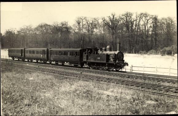 Foto Ak Dampflok, Eisenbahn, Lokomotive, Bahnstrecke