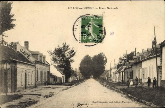 Ak Belloy sur Somme, Route Nationale, Straßenpartie im Ort, Häuser
