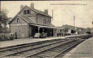 Ak Hargicourt Pierrepont Somme, La Gare, Bahnhof von der Gleisseite, Bahnsteig