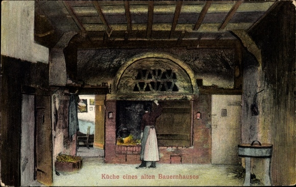 Ak Küche eines alten Bauernhauses, Herd, Köchin