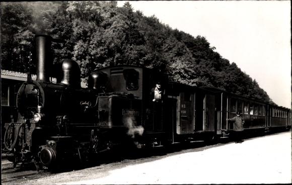 Ak Waldenburg Kt. Basel Land Schweiz, s'Waldenburgerli, Dampflokomotive im Bahnhof, G. Thommen, WB 5