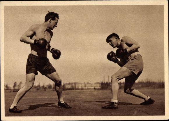 Ak Boxer, Boxhandschuhe, Boxerhosen, Boxkampf, Kampfsport