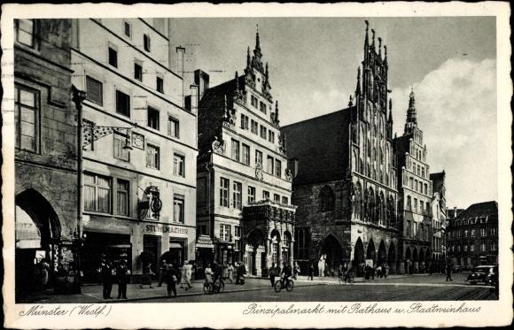 Ak Münster in Westfalen, Prinzipalmarkt mit Rathaus und Stadtweinhaus, Seitenansicht