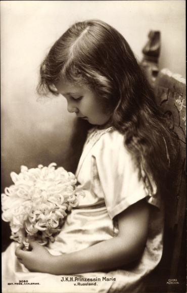 Ak Prinzessin Marie von Russland, Sitzportrait