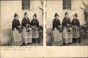 Stereo Ak Spanien, Tipos de Mujeres, drei junge Frauen in Landestrachten
