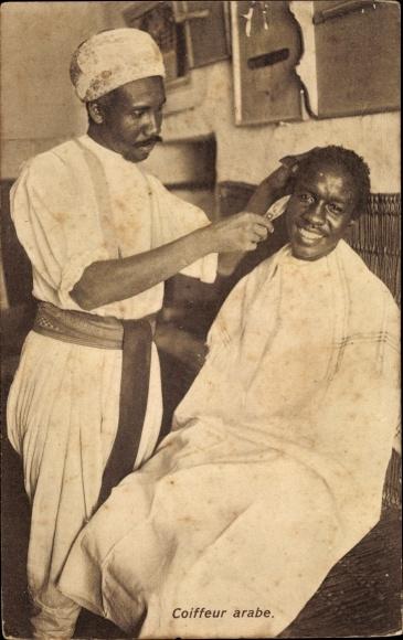 Ak Coiffeur arabe, Mann bei einem arabischen Friseur, Barbier, Maghreb