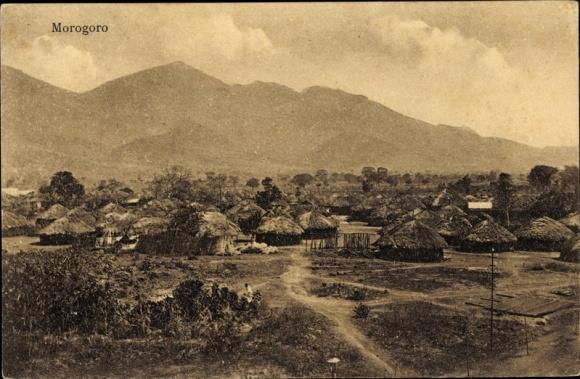 Ak Morogoro Tansania, Blick auf den Ort, Berge