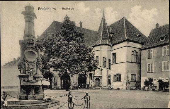Ak Ensisheim Elsass Haut Rhin, Rathaus, Denkmal
