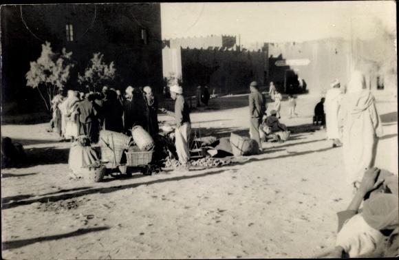 Foto Ak Ksar Es Souk Errachidia Marokko, Straßenansicht, Anwohner