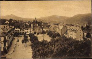Ak Saverne Zabern Elsass Bas Rhin, Schlossplatz mit Blick auf Hohbarr und Greifenstein