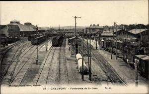 Ak Chaumont Haute Marne, Panorama de la Gare, Bahnhof mit Güterwaggons, Anlagen