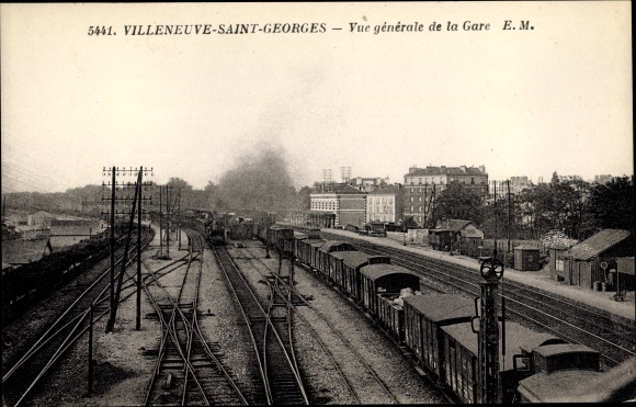 Ak Villeneuve Saint Georges Val de Marne, La Gare, Bahnhof und Bahnanlagen, Güterwaggons