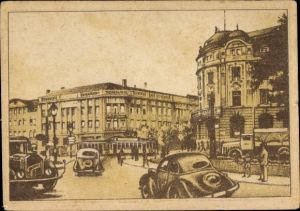 Künstler Ak Gera in Thüringen, Partie am alten Theater, Autos, Passanten