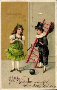Präge Ak Glückwunsch Neujahr, Schornsteinfeger, Kinder, Blumen