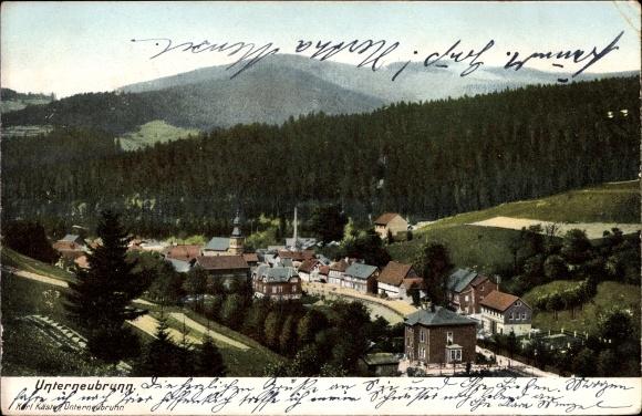 Ak Unterneubrunn Schleusegrund in Thüringen, Blick auf den Ort mit Umgebung