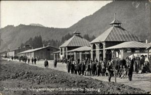Ak Sankt Leonhard Grödig in Salzburg, Im russischen Gefangenenlager, Kriegsgefangene, I. WK