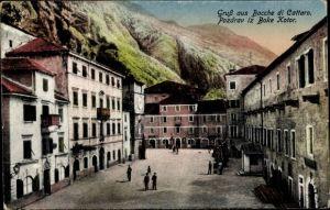 Ak Boke Kotor Bocche di Cattaro in Montenegro, Platz in der Stadt, Wohnhäuser