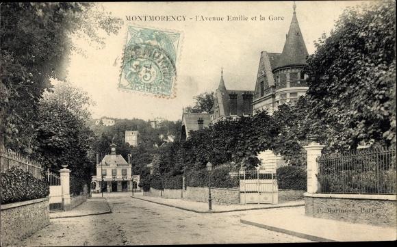 Ak Montmorency Val d'Oise, L'Avenue Emilie et la Gare, Blick auf den Bahnhof, Straßenseite