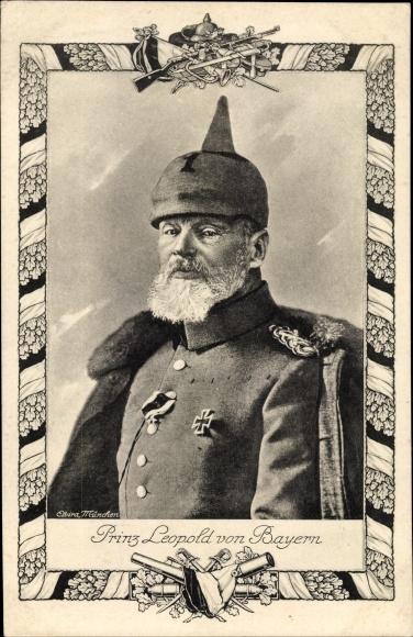 Passepartout Ak Prinz Leopold von Bayern, Portrait in Uniform, Eisernes Kreuz, Pickelhaube