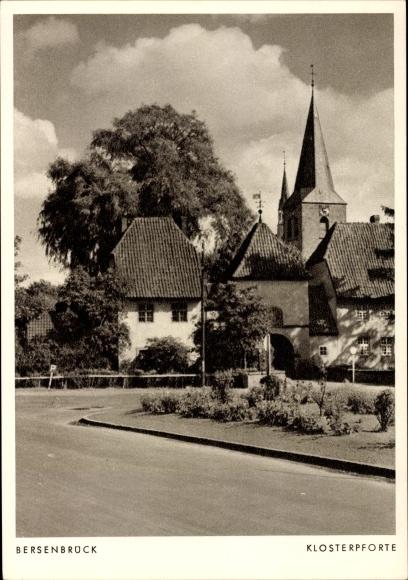 Ak Bersenbrück in Niedersachsen, Klosterpforte, Kirchturm