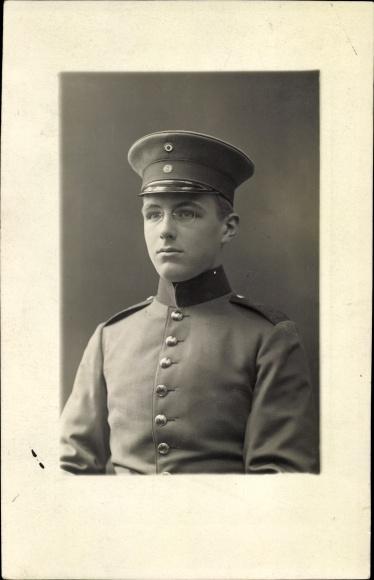 Foto Ak Portrait von einem Soldaten in Uniform mit Zwicker